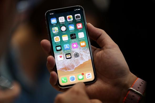 Dünyanın Beklediği iPhone X Alacakları Vize Krizi Vurdu