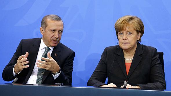 Almanya Başbakanı Angela Merkel'den Son Dakika Açıklaması