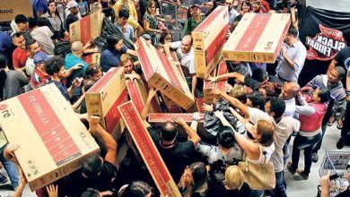 ABD'de ve Avrupa'da alışveriş çılgınlığı izdihama sebep oldu
