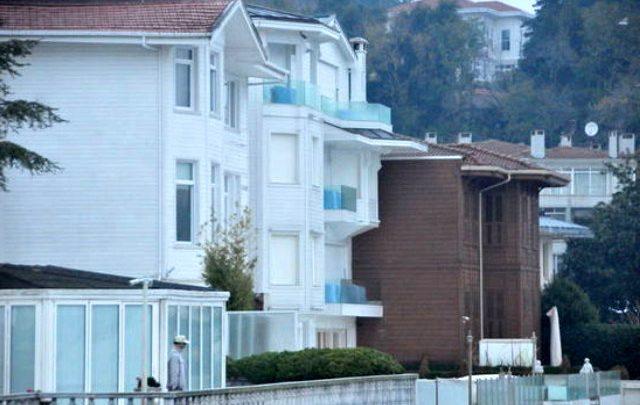 Ebru Gündeş villasını boşalttı!