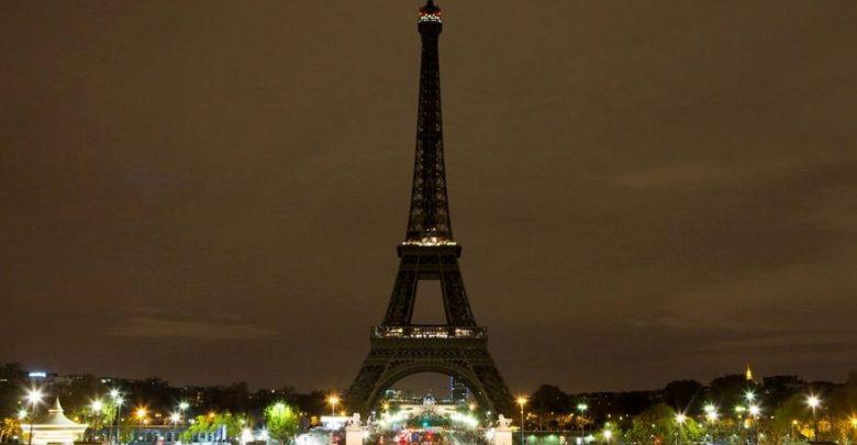 Eyfel kulesi karanlıkta kaldı! Sebebi ise şaşırtıcı